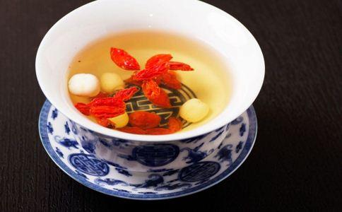 老人 健身 冬季 喝茶 红枣 健康