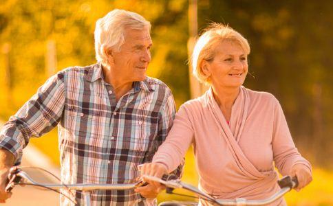 老人 老年人 热敷 健脑 疾病 保健