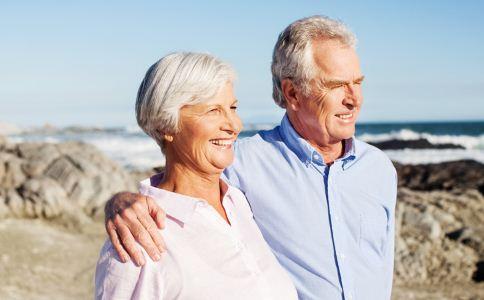 按摩手背 缓解 老年斑 按摩 皮肤 血液
