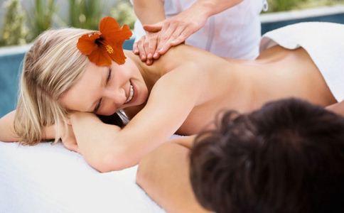 面部按摩 祛斑美容 按摩活血 中医美容方法有哪些 中医按摩手
