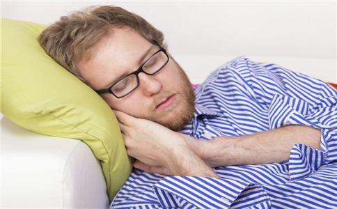 打鼾睡觉 硬枕头 枕头 选择枕头 变形 疲劳损伤