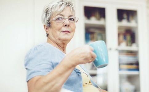 老人牙痛時最好少用止痛藥