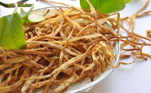 黄花菜的功效 黄花菜的做法 黄花菜煮汤 黄花菜的作用 黄花菜