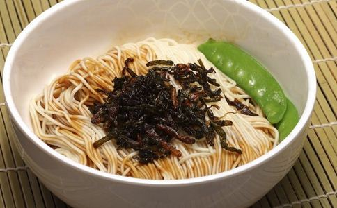 常吃剩饭剩菜伤害肠胃 隔夜菜 剩饭剩菜 淀粉老化 亚硝酸盐