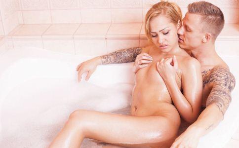 睾丸 锻炼睾丸 性机能 阴茎 血液循环 晨浴
