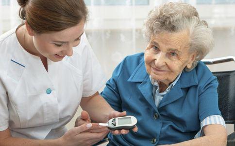 老人养生 老人 消除疲劳 活动筋骨 老年人 益寿延年