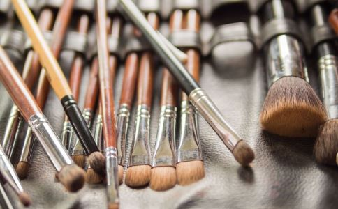 化妆品 香料 不良反应 接触性皮炎 光感性皮炎 皮肤色素