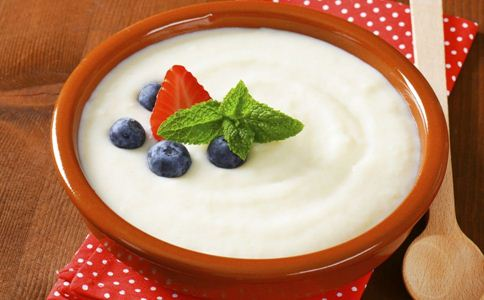 喝酸奶 酸奶 减肥 增肥 牛奶 原料 减小腹 吸收钙质