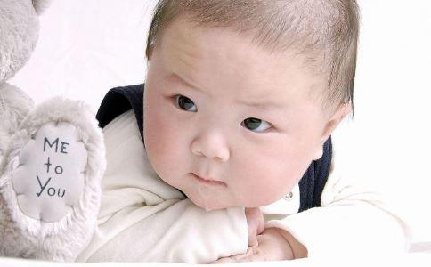 宝宝 耳朵进水 宝宝耳朵进水了 耳朵水处理