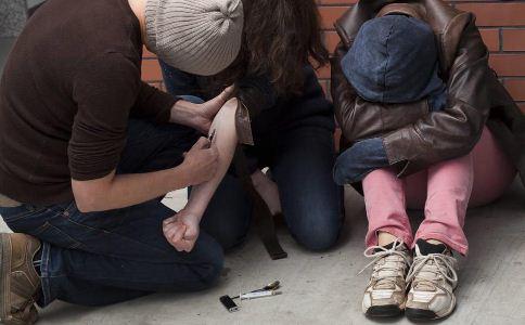 海洛因 吸食海洛因的危害 海洛因中毒 病毒性肝炎 鸦片