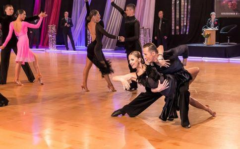 拉丁舞 跳拉丁舞 跳拉丁舞的好处 健身运动 练习拉丁舞