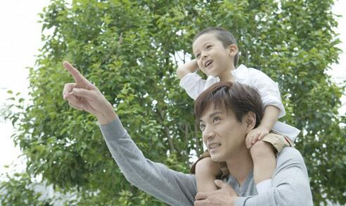 """""""癌症妈妈""""郭雪姣家人表示将向社会回捐善款"""