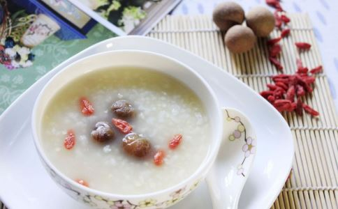 适合女人补气养血的食谱之百合大枣汤的做法