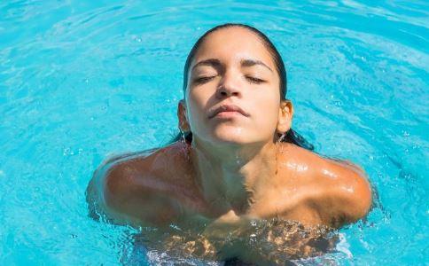 游泳作用 游泳好处 男性运动