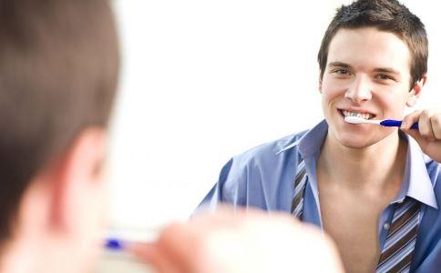 怎么刷牙才正确 错误刷牙会损害身体健康 哪些刷牙方法是错误的