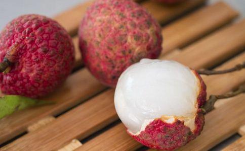 夏季不能吃哪些水果 夏季吃水果的注意 哪些水果不能多吃