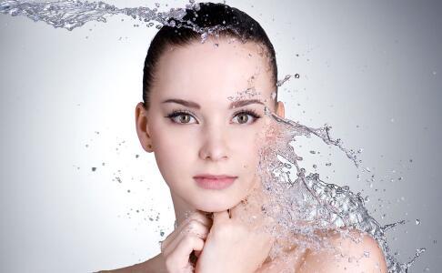 日常洗脸护肤不该做的事 洗脸不宜用脸盆 洗脸不宜用肥皂