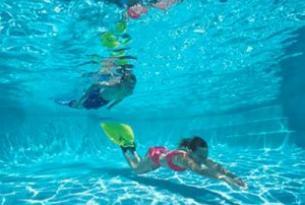 夏季游泳如何预防抽筋?