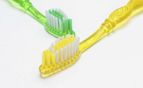 刷牙 生活指导 牙齿保健 哪些刷牙方式伤害牙齿