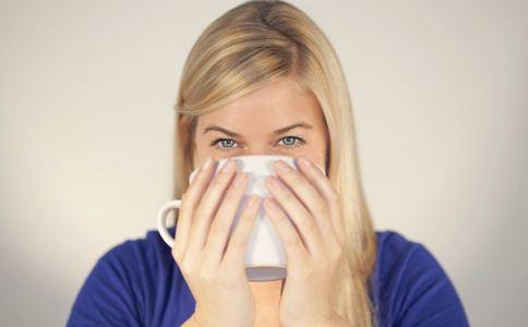 夏季保健 白领怎么喝水养生 白领养生