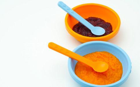 牛奶黑米粥可以帮女性补血 牛奶黑米粥的功效 牛奶黑米粥补血