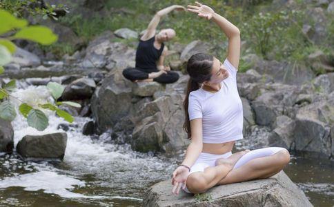 如何瘦腰 轻松瘦腰的方法 水桶腰怎么办
