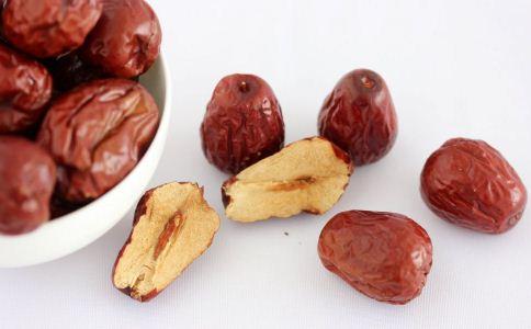 红枣的功效与作用 吃什么补血 红枣的吃法
