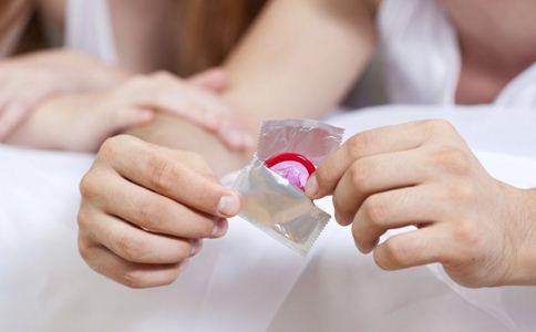 图解女用避孕套使用方法 女用避孕套使用方法 图解女用避孕套怎么使用