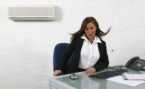 吹空调的注意 吹空调为什么会患过敏 如何预防空调病