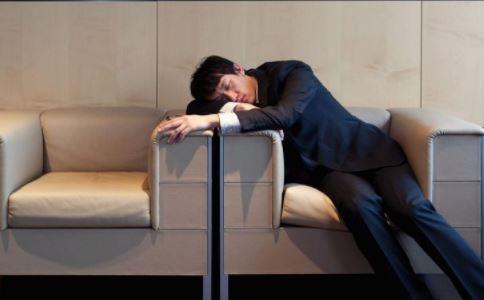 过度劳累为何最伤肝 过度劳累为什么最伤肝 过度劳累最伤肝是因为什么