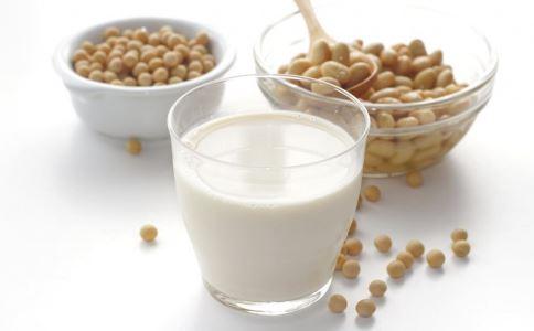 喝豆浆的注意 如何喝豆浆 怎么喝豆浆最好