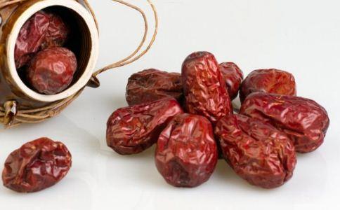 吃红枣的好处 吃红枣有哪些好处 红枣的功效