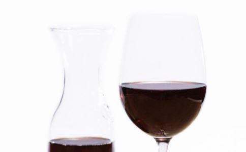 葡萄酒有哪些功效 喝葡萄酒的好处 葡萄酒怎么喝