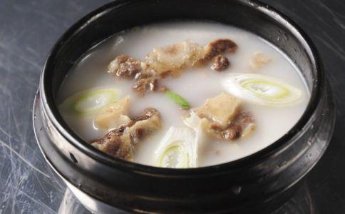骨头汤炖的时间 骨头汤的营养 炖骨头汤的方法