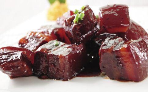 鲜笋烧肉的做法
