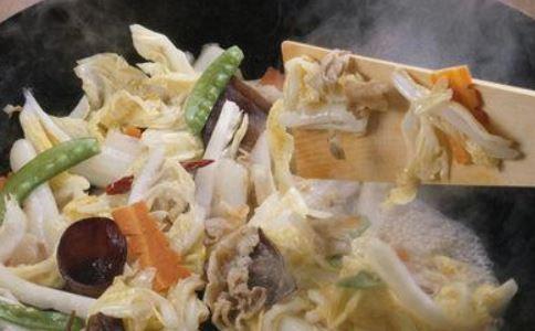 砂锅白菜炖粉条