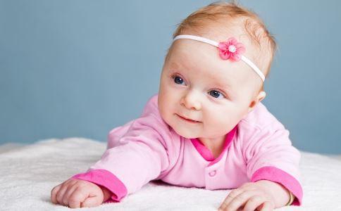 如何给婴儿按摩头部 按摩宝宝的头部好处 怎么给宝宝按摩头部