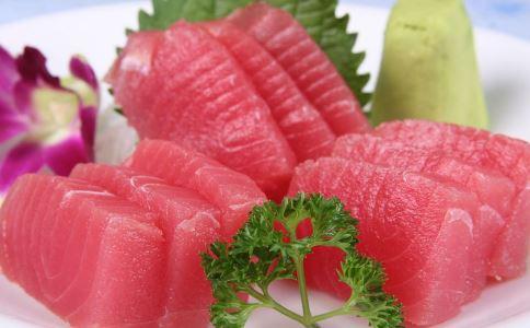 空腹吃鱼致痛风 警惕吃鱼的四种误区_饮食误区