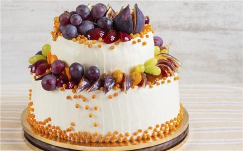 吃生日蛋糕吹蜡烛好吗