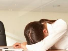 午觉睡姿不当会导致多种疾病