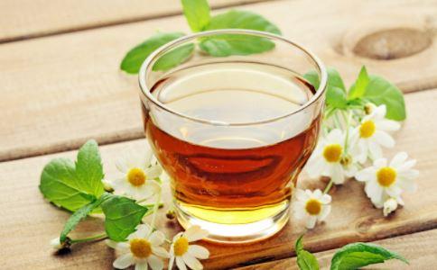 蜂蜜柠檬茶的功效 蜂蜜柠檬茶的做法 蜂蜜柠檬茶功效