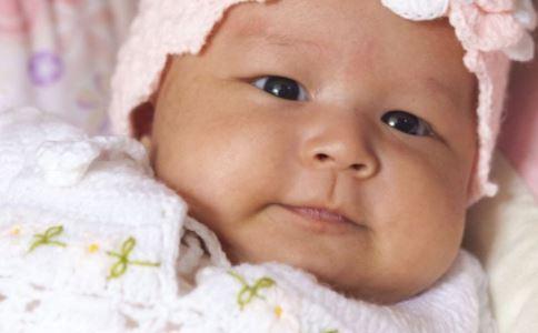宝宝夏天痱子怎么办 宝宝长痱子怎么办 夏天宝宝长痱子怎么办