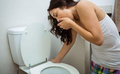 口臭的原因是什么 造成口臭的原因是什么 有口臭是什么原因