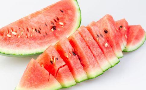 吃西瓜的好处 吃西瓜的禁忌 吃西瓜的注意事项