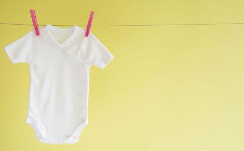 宝宝夏天穿什么颜色的衣服最防晒? 竖