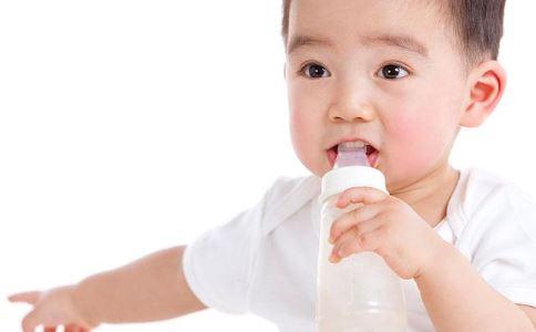 宝宝断奶的最佳时间_宝宝夏季绝不能断奶_母乳喂养_育儿_99健康网