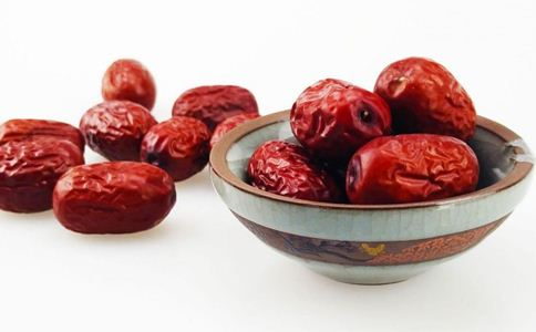 女人吃什么补血 女人补血可以吃什么 女人贫血吃什么食物