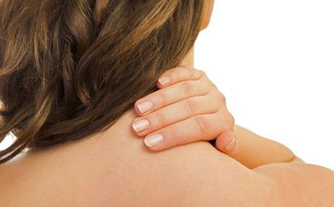 颈椎病 颈椎病有什么发病特点 怎么进行头部运动预防颈椎病