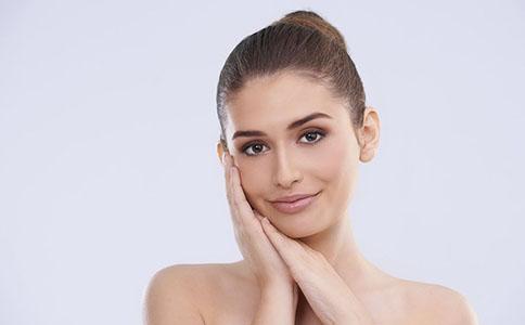 油性肌肤护理 怎么简单护理油性肌肤 日夜如何全面护理油性肌肤
