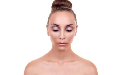 上班族肌肤保湿 上班族怎么分时间给肌肤保湿 肌肤保湿有什么注意点